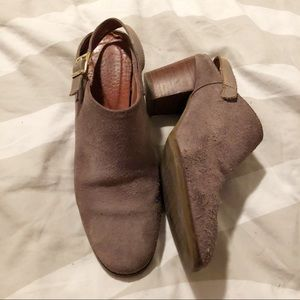 Vintage taupe mules! Made in Spain!
